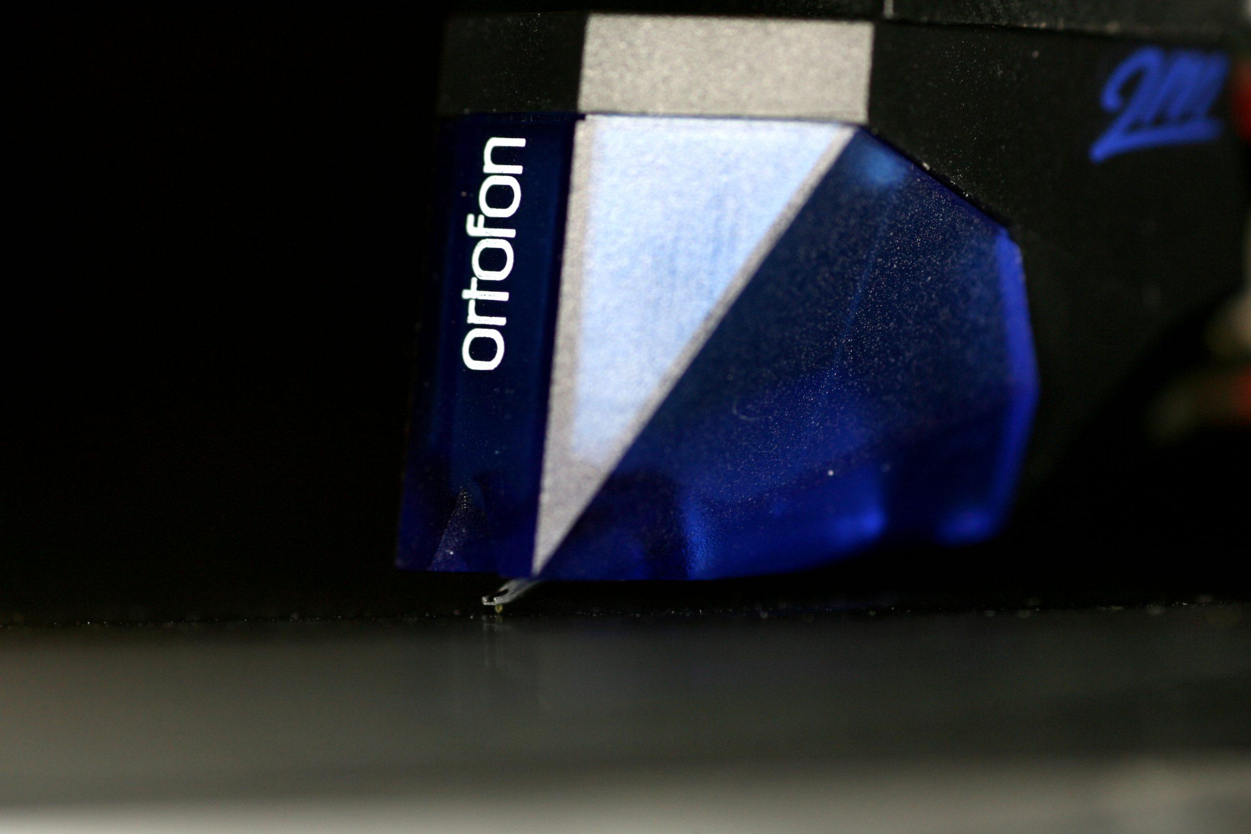 2m blue